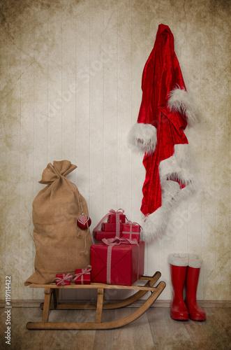 Weihnachtsgeschenke Sack.Weihnachtsgeschenke Und Sack Vom Nikolaus In Rot Weiß Kariert Mit