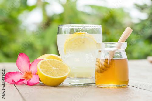 Photo  lemon juice with honey