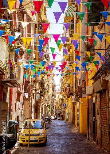 Spoed Foto op Canvas Napels Narrow street in old town of Naples city in Italy