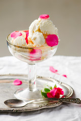 Fototapetahomemade rose ice cream