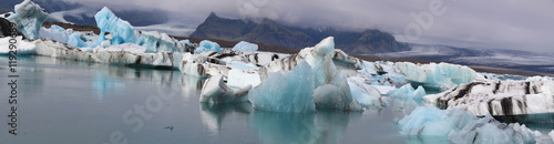 Printed kitchen splashbacks Glaciers Panorama Kalbender Gletscher in Island