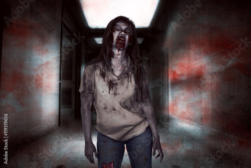 Photo  Asian zombie woman walking
