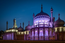 The Royal Pavilion At Night Is An Exotic Palace In The Centre Of Brighton. Built In 1823 For King George IV, Is Built In The Style Of Indo-Saracenic Revival Architecture Common In India And China.