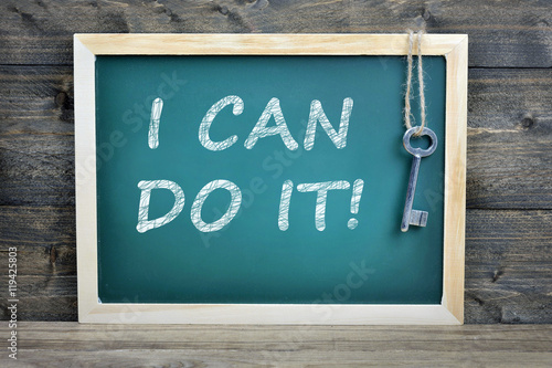 Foto  I can do it text on school board