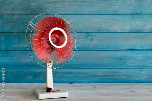 electric fan 70 - 119434239