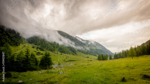 Tuinposter Heuvel Mountain Storm Coming