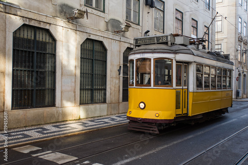 Fototapeta Yellow tram, Lisbon, Portugal obraz na płótnie