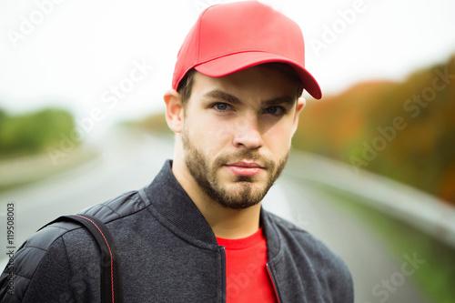 Young man in baseball cap Canvas-taulu