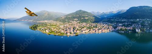 Fotografie, Obraz  Idrovolante in volo su Gravedona - Lago di Como (IT)