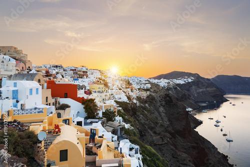 Fotografia, Obraz  View of Oia at sunrise