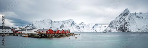 Foto auf Gartenposter Nordlicht Fisherman village