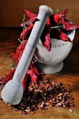 Panel Szklany Przyprawy Mortaio da cucina con peperoncini da triturare