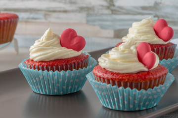 Fototapeta Cupcakes with red heart