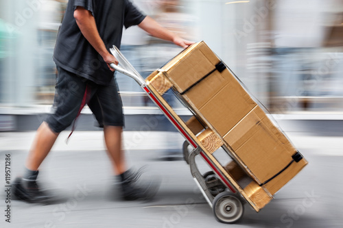 delivery with dolly by hand Fototapete