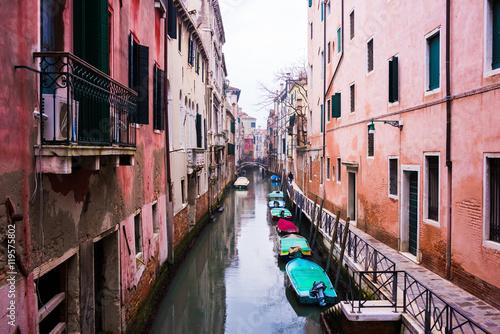 Aluminium Prints Venice View of Vencie canal with gondolas