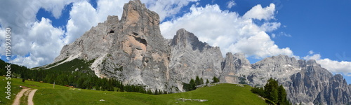 Photo  Dolomiti del Cadore - Monte Civetta  (panorama con vista verso torre Venezia)