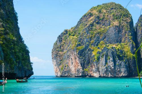 Obraz na plátně Maya bay of Phi-Phi island