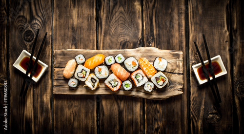 Foto op Aluminium Sushi bar Sushi and rolls seafood with soy sauce.