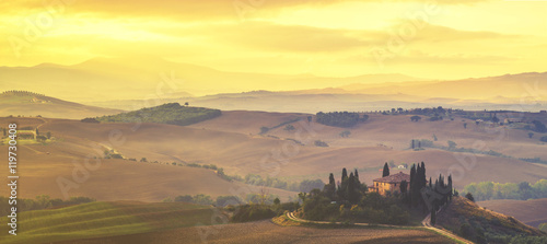 Photo sur Aluminium Jaune de seuffre Tuscan autumn landscape,retro colors, vintage