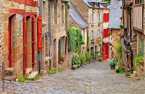 Vieilles maisons dans la ville de Dinan, Bretagne