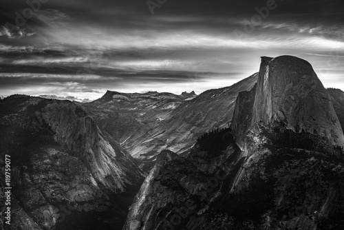 Valokuva  Yosemite National Park Sunrise Glacier Point Black and White