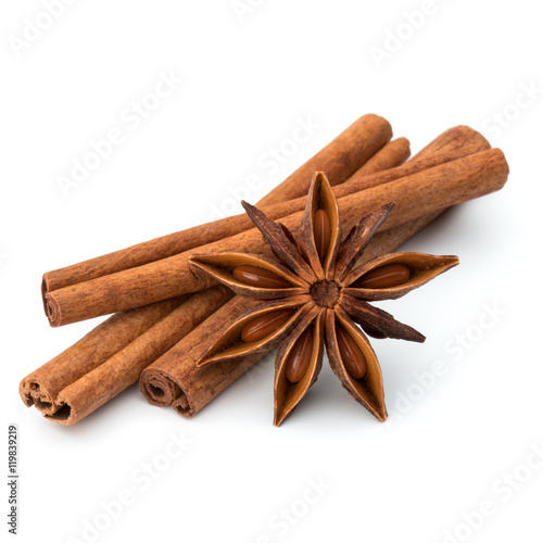 Fototapeta cinnamon stick and star anise spice isolated on white background obraz
