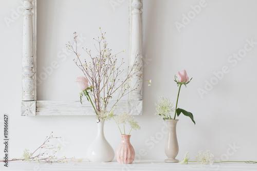 Foto-Tapete - flowers in a vase on white background (von Maya Kruchancova)