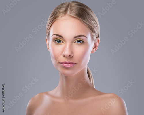 Fototapeta  Beautiful blonde woman with bright makeup