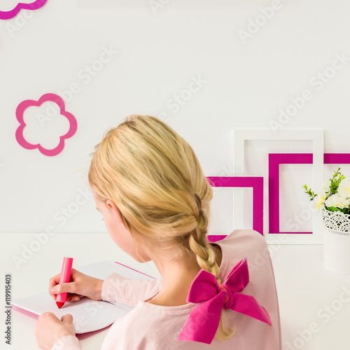 Little girl in bright interior – kaufen Sie dieses Foto und finden ...