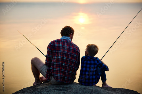 Foto op Plexiglas Vissen Evening fishing
