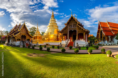 Edifice religieux Wat Phra Singh is located in the western part of the old city center of Chiang Mai,Thailand