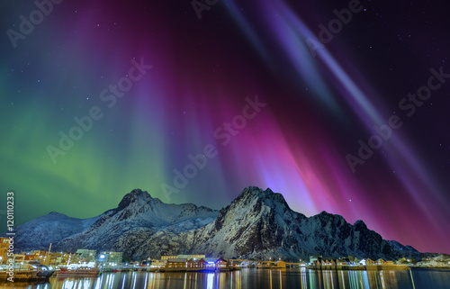 Printed kitchen splashbacks Eggplant Nordlicht in Svolvaer Lofoten Norwegen