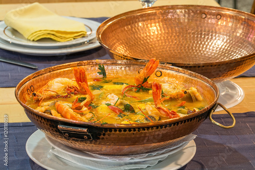Foto  cataplana portuguese dish