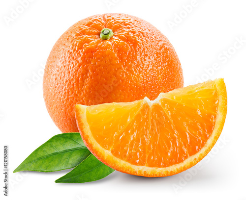 duza-pomarancza-z-dwoma-listkami-na-bialym-tle
