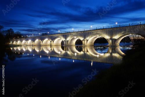 Poster Bridges cette photo reprèsente le pont canal de digoin