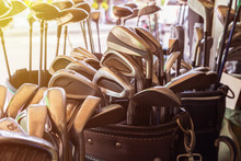 Metal Golf Clubs Set In Leathe...