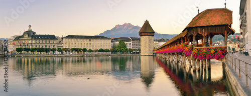 Photographie  Panorama of historic city center of Lucerne with famous Chapel B