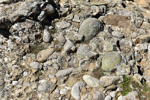 Fotografija  Texture of conglomerate rock with gravel, clasts and pebbles