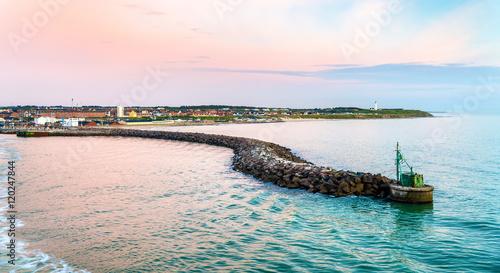 Stampa su Tela Port of Hirtshals at sunset - Denmark
