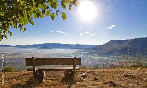 Fotografia, Obraz  Blick auf den Albtrauf am Morgen - Hörnle, Teck, schwäbisch Alb