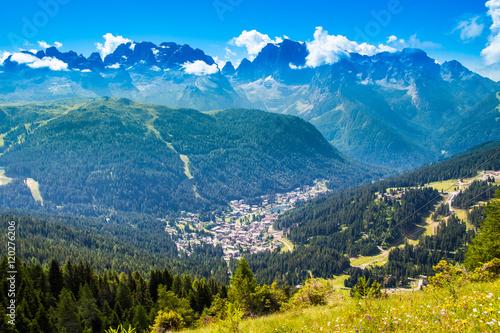 Cuadros en Lienzo view of Madonna di Campiglio, a town in Trentino , Italy