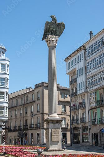 Estatua de Águila de Plaza Santo Domingo en Lugo Galicien (Galicia) Spanien (España) Costa da Morte
