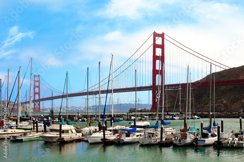 Photo  Golden Gate Bridge and Presidio Yacht Harbor, San Francisco