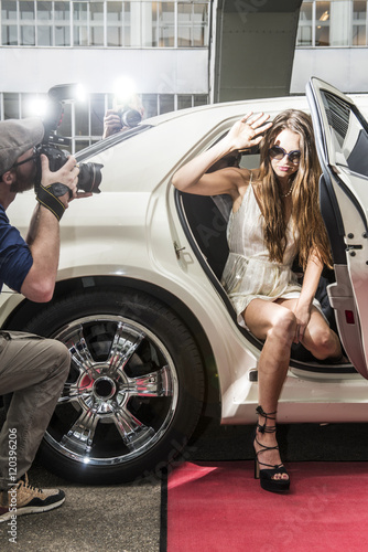 Photo  Actress getting out of a limousine