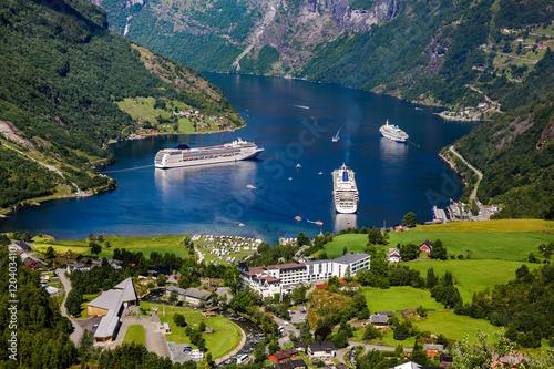 Crédence de cuisine en verre imprimé Bleu nuit Geiranger fjord, Norway.