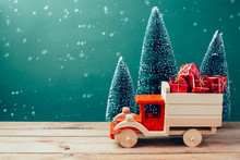 Christmas Toy Truck With Gift ...