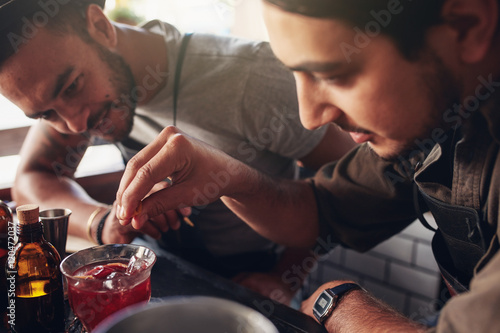 Cuadros en Lienzo  Bartenders creating new cocktails