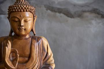 Drveni kip Bude