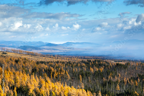 Keuken foto achterwand Turkoois Tatra autumn season. View of forests and mountains.