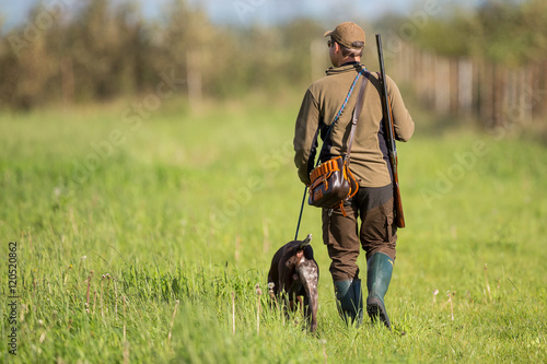 Photo  Охотник с собакой